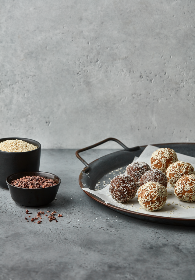 Sesame Choco Power Balls Treat